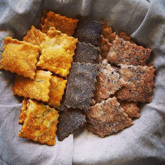6.Crackers-ai-Semi-Oleosi-Curcuma-venite-a-scoprire.jpg